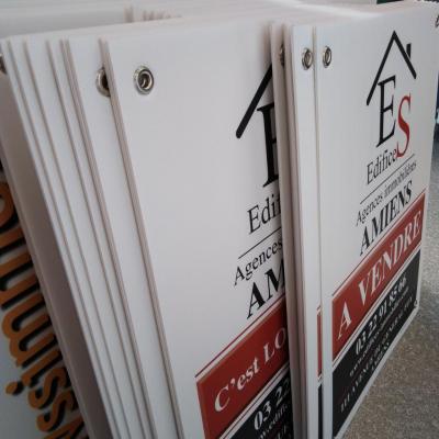 200 exemplaires - 60 x 80 cm - Recto / Verso - oeillets - ép : 3,5 mm